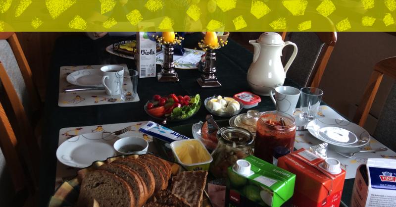 ノルウェーの朝の食卓