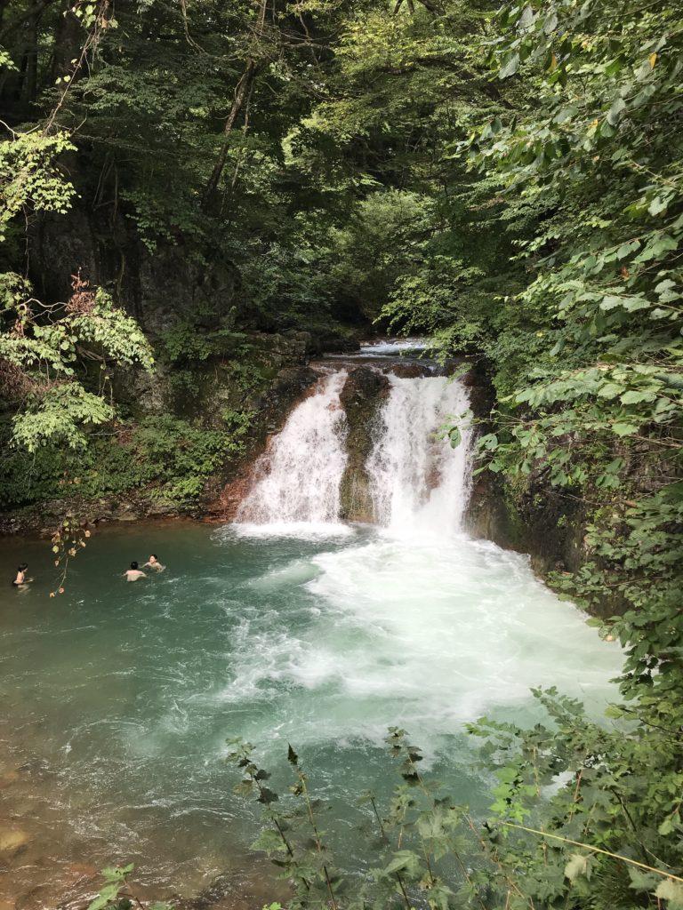 四万の滝の図
